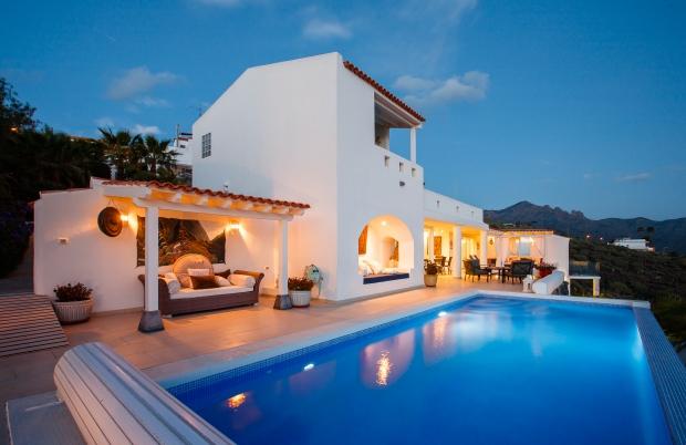 Villa for rent in Adeje