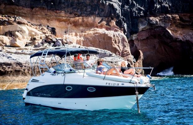 Examples of Yacht shooting in Tenerife, Spain