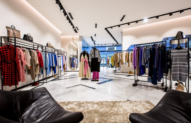 Interior shooting photo examples of clothes shop located in Tenerife